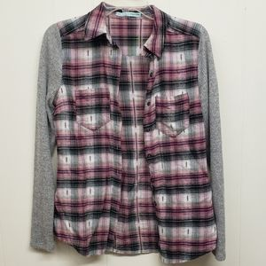 Like New! Pink Plaid Button Up Top